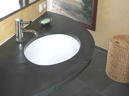 Waschtisch: Material: Schiefer therra anthrazit Oberfläche: spaltrau