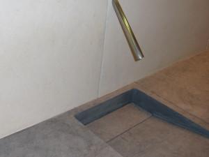 Waschtisch: Material: London Gray Rückwand: Material: Limra Oberfläche: feingeschliffen