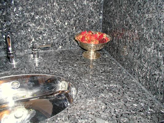 Waschtisch & Wände: Material: Labrador Blue Pearl Oberfläche: poliert Ausschnitt oval, poliert für Unterbaubecken